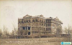 Alice_old capitol building_Bismarck